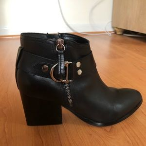 MARC FISHER BLACK LEATHER ANKLE BOOTS 🎉